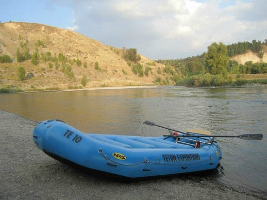 Jackson Hole Whitewater : Our raft