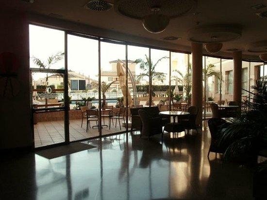Hotel Costa Narejos : vue salon