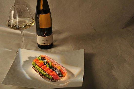 L'Ermitage de Bernard Ravet: Tartine de saumon sauvage, petits légumes et caviar