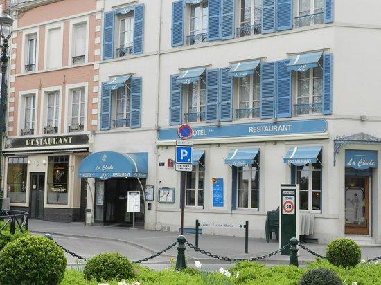 """Restaurant La Cloche : Hotel Restaurant """"La Cloche"""""""