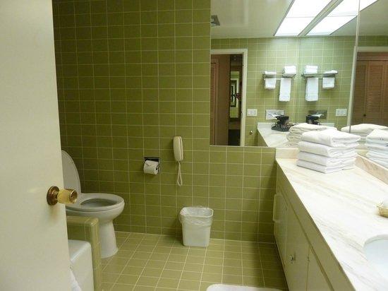 Little America Hotel Flagstaff: Bathroom