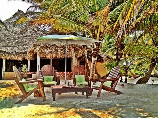 Matachica Resort & Spa: beach front bar