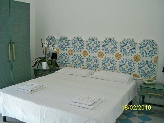 Hotel 4 Stagioni : camera particolare