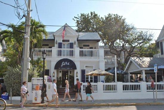 La Te Da Hotel: La facciata dell'hotel da Duval Street