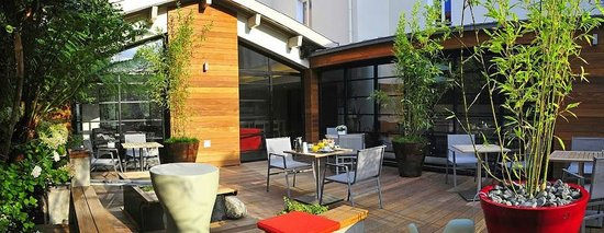 Hôtel Villa Koegui Biarritz : Terrace which I found very nice to be in. (Picture © Hotel 7B)
