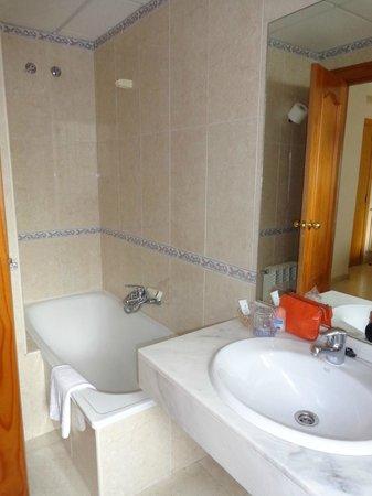 Hotel Sacromonte: Baño