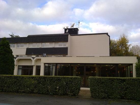 Ibis Caen Herouville Savary: Vista exterior hotel