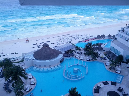 ME Cancun: Beautiful ocean view