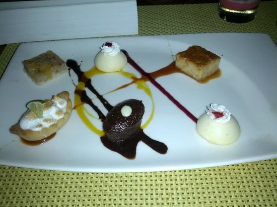ME Cancun: Dessert at Beach House