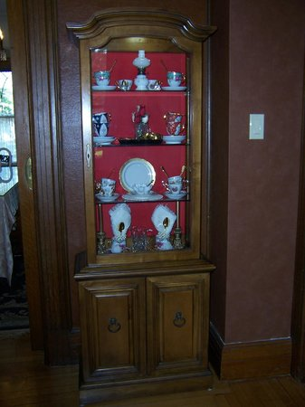 600 Main, A Bed & Breakfast and Victorian Tea Room: Teacup Collection