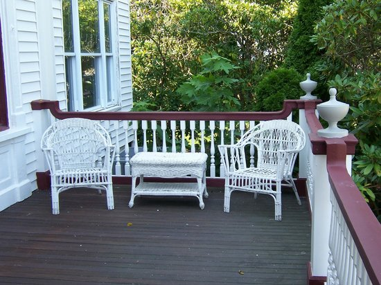 600 Main, A Bed & Breakfast and Victorian Tea Room: Porch