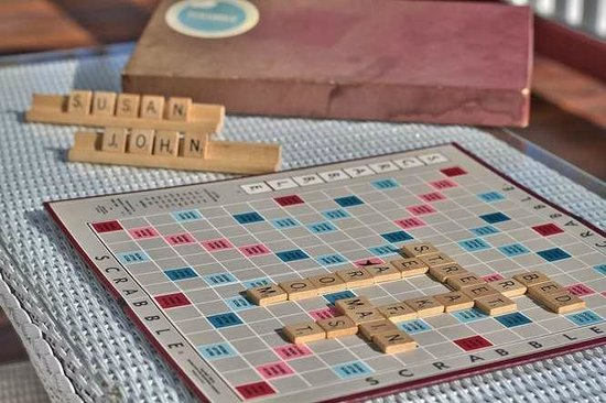 600 Main, A Bed & Breakfast and Victorian Tea Room : Scrabble Anyone?