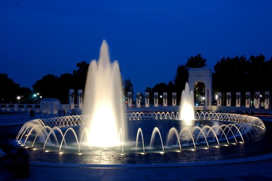 Signature Tours of Washington, D.C. : WWII at Night!