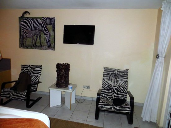 Maison Ambre Guesthouse: Zimmer zum Hof