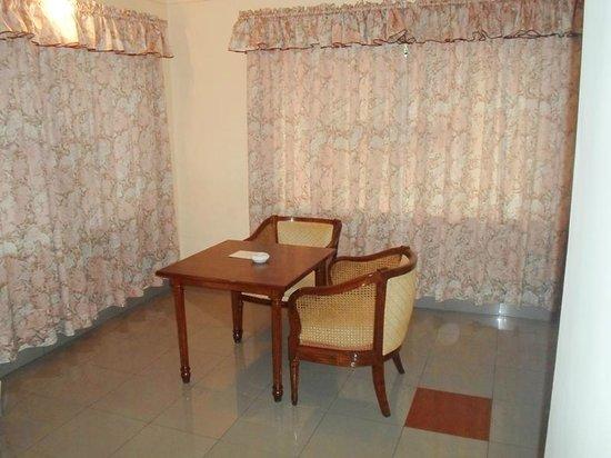 Bharat Hotel : Coffee Table