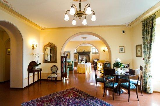 Hall Villa Marsili Cortona