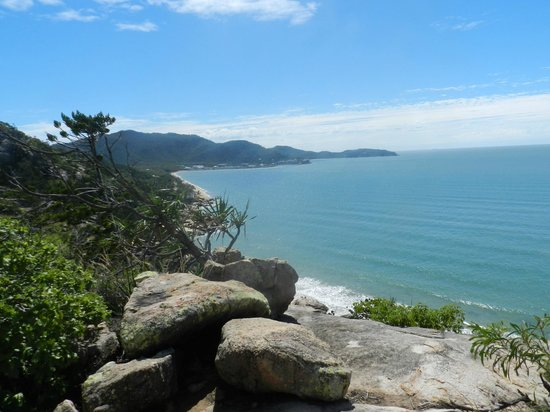 Magnetic Island Bed & Breakfast: View from high point on Magnetic Island