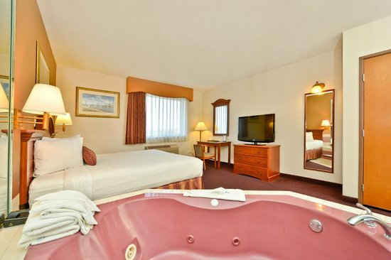 BEST WESTERN Des Plaines Inn: KING W/ JACUZZI