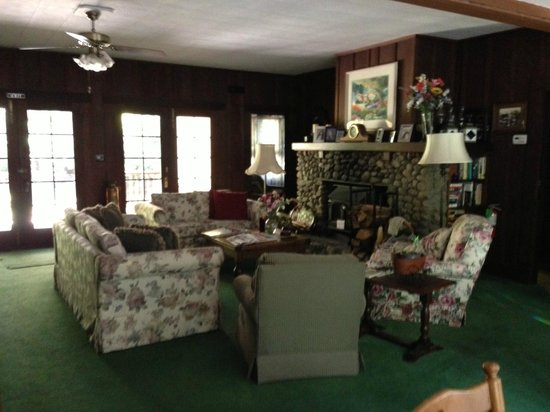 Fairview Manor Bed and Breakfast Inn: Common Area