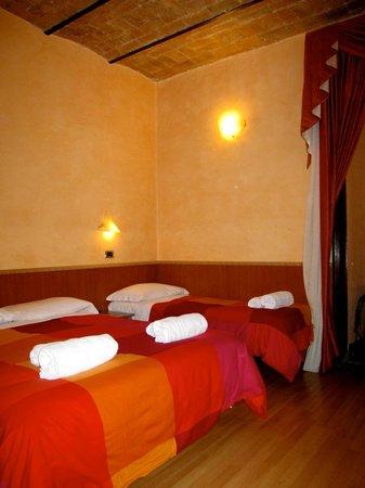 Cesare Balbo Inn: Room that sleeps 2 or 3