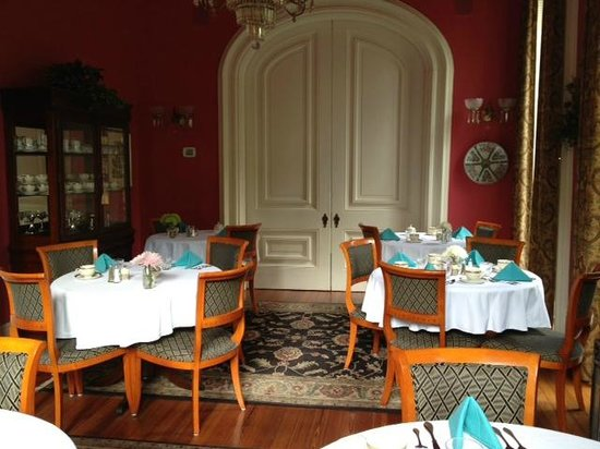 Hamilton-Turner Inn: Breakfast room