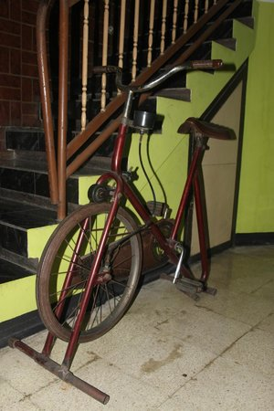Splendid Inn: Old school exercise bike