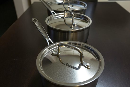 Capital Suites Yellowknife: High standard utensils
