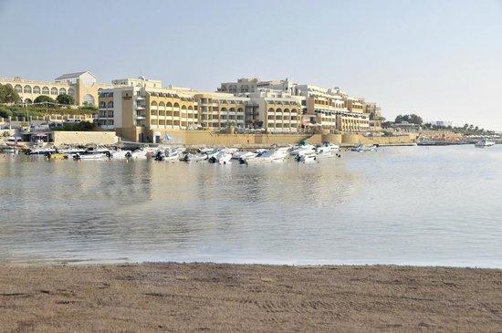 Marina Hotel Corinthia Beach Resort : The Beach & Facade