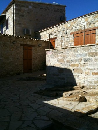 Stavrinis Home: Courtyard