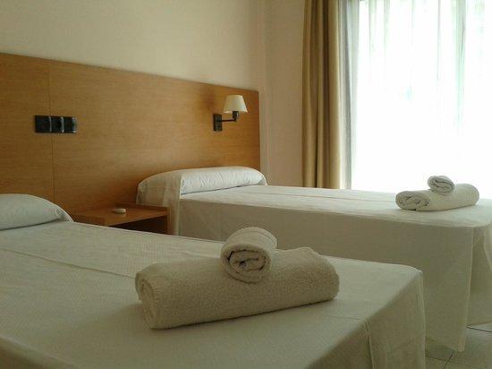 Prestige Bay Hotel : Standar twin