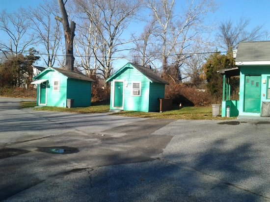 Atco, NJ: Two very small cabin rooms #10 & 11 front of property