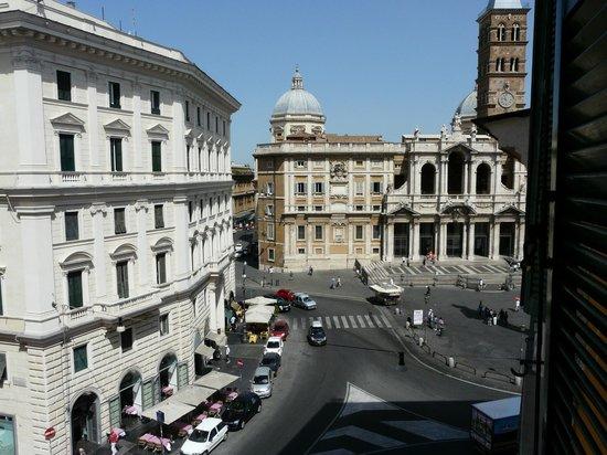 Hotel Doria: вид из окна днем