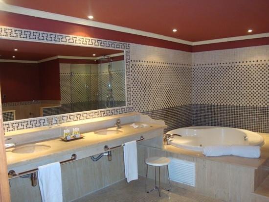 Barcelo Marbella: The bathroom view 1