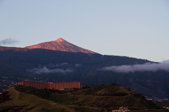 Hotel Botanico & The Oriental Spa Garden: Teide at dawn