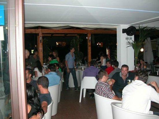 La Tortuga Ristopub : The restaurant and bar