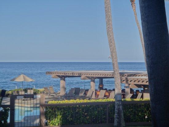 Kanaloa at Kona: overlooking the ocean