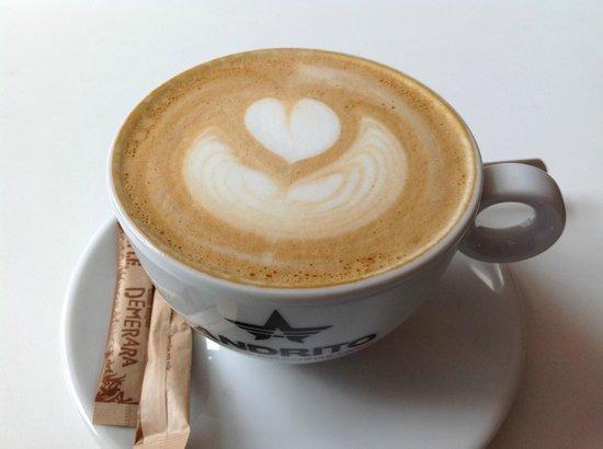 MiiT Coffee: fantastic latte art