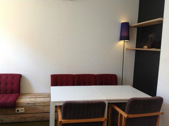 MiiT Coffee: comfortable seats