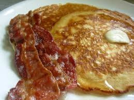 The Sturgis Haus: Full Breakfast served daily
