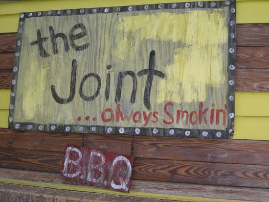 Hotel St. Marie: The Joint for BBQ....not on hotel property