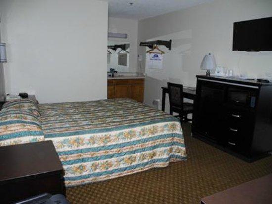 Americas Best Value Inn: My room