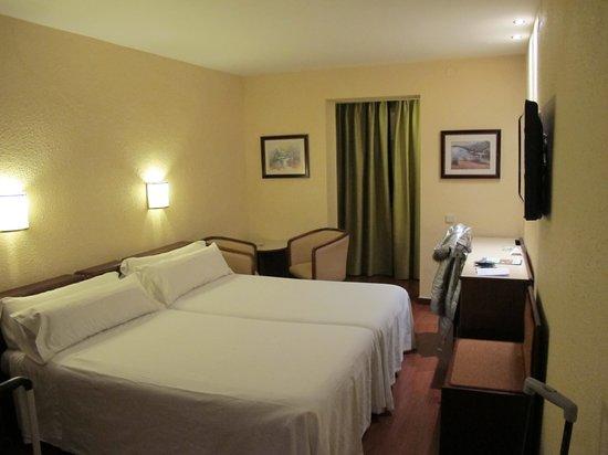 Lleo Hotel: camera