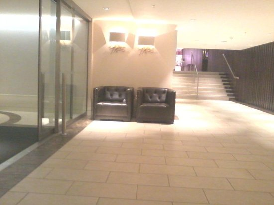Sheraton Heathrow Hotel: entrance / exit area