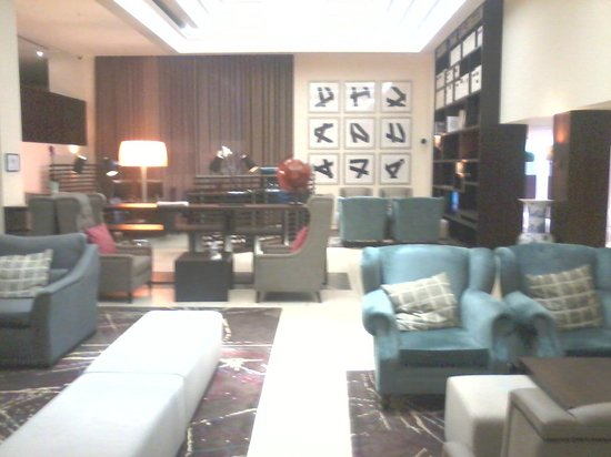 Sheraton Heathrow Hotel: welcome area /downstairs lobby /entrance