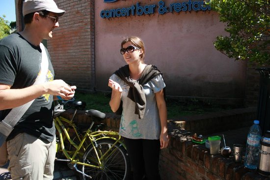 bike it: Break for mate and alfajores