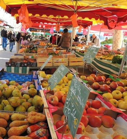 Sanary-sur-Mer, فرنسا: des couleurs et saveur