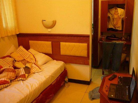 Cihampelas Hotel 2: My Room