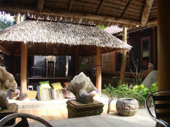 Baan Ton Rak Boutique Resort: Außenbereich