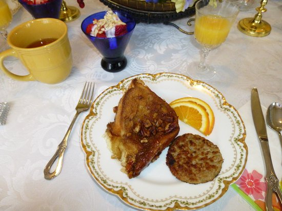 Lake Valley Legends Bed and Breakfast: Second breakfast