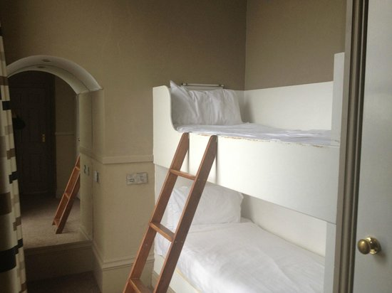 Ambassador Hotel: 108 side room with bunks